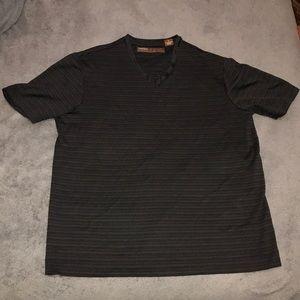 All black Perry Ellis t-shirt